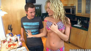 Sweet and sexy blonde Kiara Diane called her new neighbor to cook a dinner