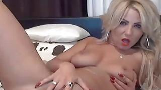 Blonde masturbating on webcam