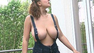 Big boobs window cleaner